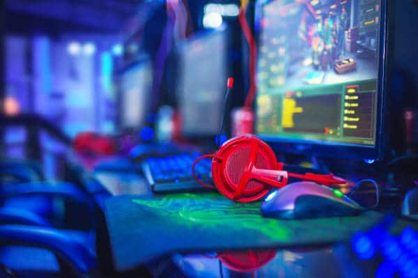 BANGKOK, THAILAND - 11June 2017:  The performance of gaming player competition for Electronic Sports in IntelGameTime Event at Pantip Arena Hall on 11 June 2017 BANGKOK,THAILAND